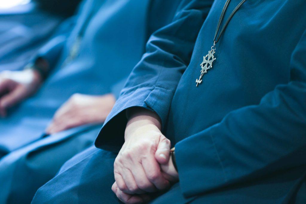 Soeurs des Diaconesses de Reuilly en prière